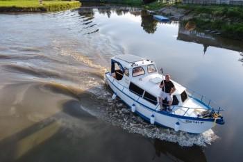 Pujcovna-hausbotu-batuv-kanal-hausbot-Emma-2