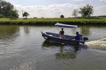 Lode-Batuv-kanal-motorove-cluny-2